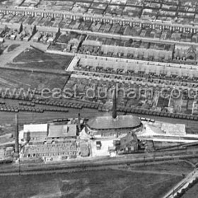 Seaham Colliery Brickworks in 1928.Hall Street L to R at top, Vane Terrace next down with SC Junior School at its centre, then Cooke St then School St.Earl Street and the beginning of Station Rd at top R.