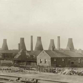Candlish Bottleworks, date not known,but after 1886 when the first tall chimney for the new gas process was built