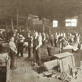 Candlish Bottleworks, The furnaces 1890In the 1890s the works used 21000 tons of coal annually.