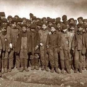 Young coal sorters in Pennsylvania 1911