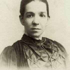 Sarah Jane Dobson (nee Goodwin) b Hendon 1865, died Clarence St, Seaham in 1945)