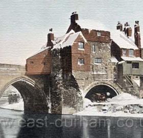 Elvet Bridge in 1904.