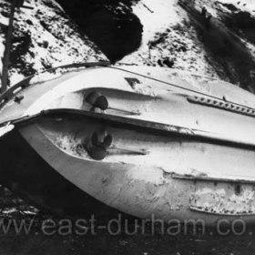 """""""George Elmy"""" on the Chemical Beach 18/11/1962."""