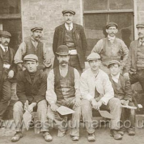 Building Alfred St in 1908/9. The man centre, back row was or became an undertaker, front row left George Hay.