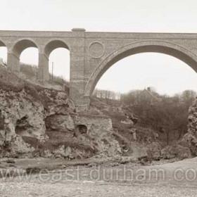 Hawthorn viaduct c1910. Same limekiln as previous photograph.
