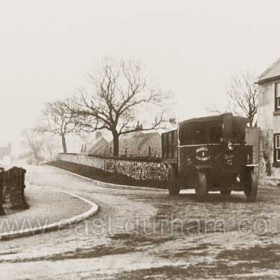 South Hetton Coal Company steam wagon (registration number PT 502) outside the Stapylton Arms c 1910?