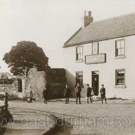 Stapylton Arms c 1910? The landlord at the time of the photograph was J Luke Lamb.