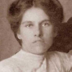 Catherine Lisgo nee Wharton  b 1/4/1893 Married to Robert. Photograph 1911