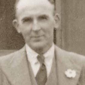 BILLY MAYHEW, SHCC committee. P/graph c 1939
