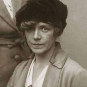 DOLLY McKAY (Miss);  schoolteacher at Ropery Walk School. Photo 1930s