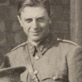 Lt J MERRYWEATHER  Volunteers  c 1911.