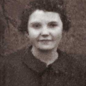 Esther Metcalfe. Photograph- Seaton Village School c1924