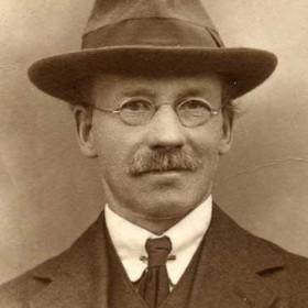 Surname possibly Hixon, husband of Mina. Photo 1924