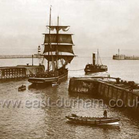 "Brig ""Joseph"" leaving North Dock in 1905."