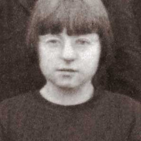 Gladys Parker. Photograph- Seaton Village School c1924