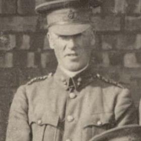 Lt H PEELE  Volunteers  1911.
