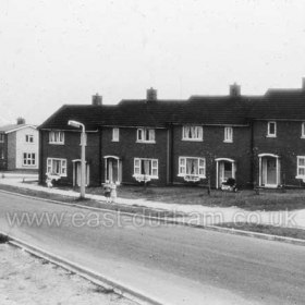 Peterlee c1950. Looks like the bottom end of Acre Rigg Road, opposite the junction with Cambridge Road. Info from Keith Davidson. Photograph from Stafford Linsley