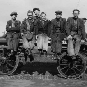 L to R, Jack Williamson, Ernie Rowell, Harry Mortinson, Brian Corkhill, Val Mortinson?, Jack Hayes, Jack Gray, all joiners though Jack Gray was possibly then and certainly later an oxy acetylene burner. Photograph from Alan Rowell     Photograph from Alan Rowell