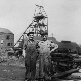 Low Pit, Joiners Geordie Rochester at left and Ernie Rowell. Photograph from Alan Rowell