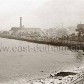 Blockyard and beach railway for new north pier construction in 1901.