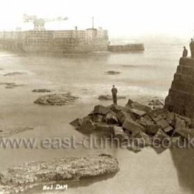Number 1 Dam. Construction of Entrance Cofferdam April 1902.
