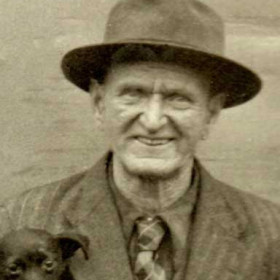 brother to Edward, Thomas and James. Born in Seaham Harbour, Back North Railway Street, 1884, he became a variety/circus performer with small animals and toured with Fossetts Circus. Died in Bolton Lancashire in 1961.