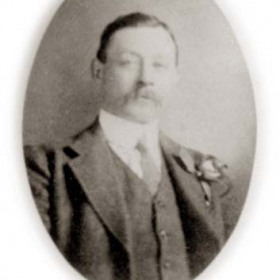 Mr G Green, member of Seaham Harbour Council 1911.George Henry Green owner of the Vane Arms at 74 Church St and a grocer at 7 South Crescent.